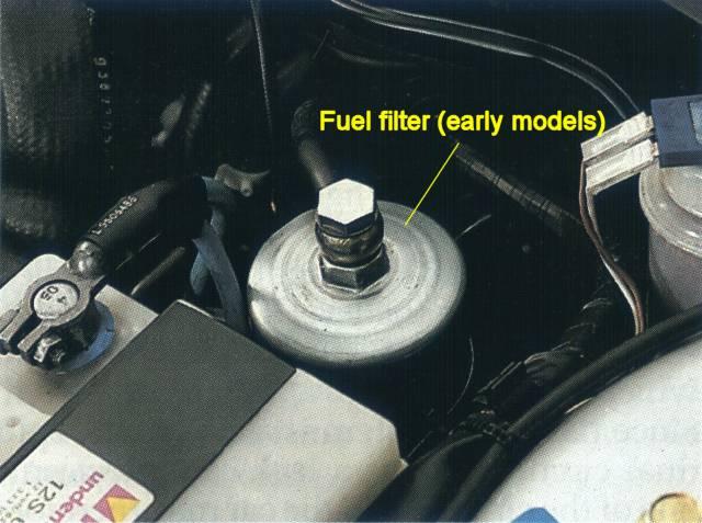 Replacing the fuel filter on the Saab 9000SAAB9000.COM
